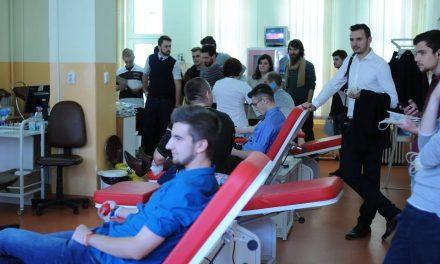 Studenții au scos un județ întreg din criza de sânge. Au fost sute de donatori în 5 zile