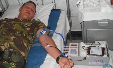 """Militarii donează sânge timp de 5 zile """"din dragoste de țară"""""""