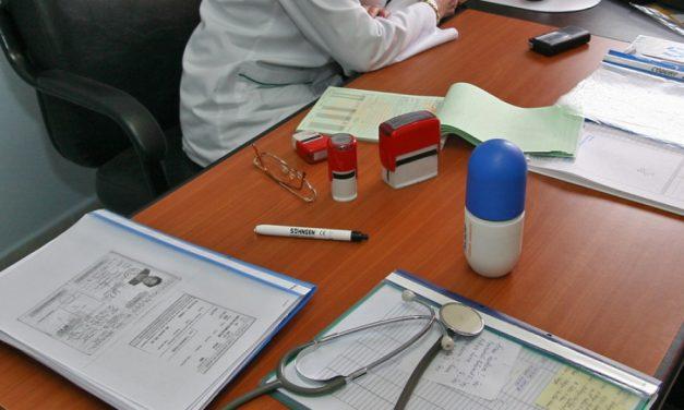 Cardul de sănătate nefuncțional. Medicii nemulțumiți de condițiile de muncă, pacienții revoltați