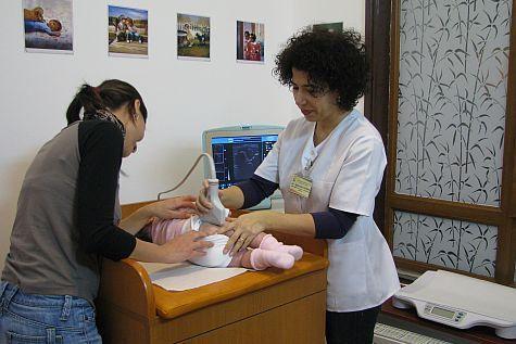 Copii purtați între clinicile din Cluj Napoca pentru o ecografie. Vezi cum s-a ajuns aici