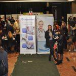 Cum sunt atrași medicii români să plece la muncă în străinătate. Au șansa să fie angajați pe loc, la târgul de cariere