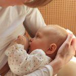 Bebeluşii ar putea fi feriţi de infecţia cu Covid-19. Care dintre vaccinuri produce mai mulţi anticorpi în laptele matern