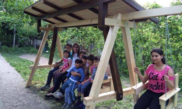 """Cum îi putem ajuta cu doar 30 de lei pe copilașii din """"Căsuța Bucuriei"""" să aibă casa lor"""