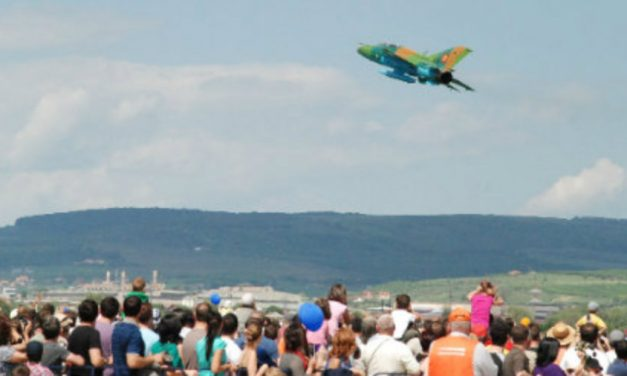 Idee de weekend pentru părinți și copii: show-ul aviatic de la Baza Aeriană 71 Câmpia Turzii