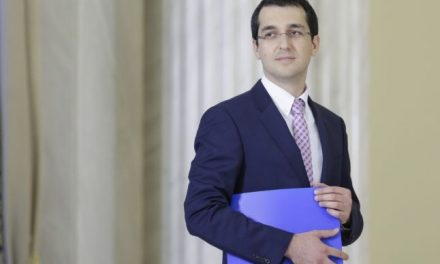 Vlad Voiculescu îşi preia mandatul de ministru al Sănătăţii