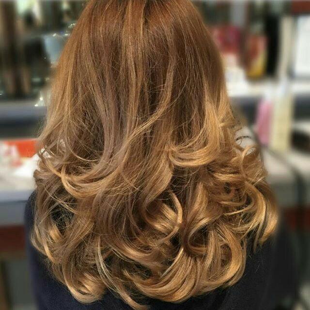 FOTO Cum ne aranjăm părul de Crăciun. Sfaturi pentru un păr frumos și îngrijit