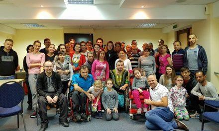 Hotelul din Cluj care îi găzduiește de 6 ani pe copiii și tinerii dependenți de dializă, într-o tabără de amploare