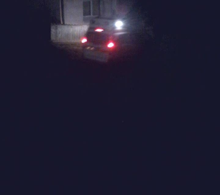 O ambulanță a rămas împotmolită pe un drum din comuna Baciu si a ajuns cu întârziere la un pacient. A fost nevoie de 3 oameni să scoată mașina din nămol