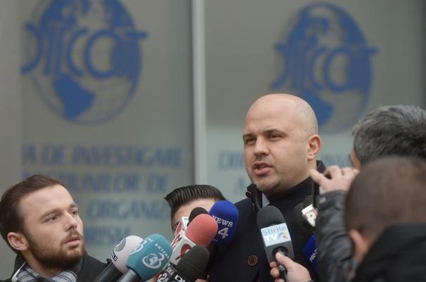 Emil Boc amenință că îl dă în judecată pe denunțătorul lui Lucan, deputatul Emanuel Ungureanu. Ce răspunde Ungureanu