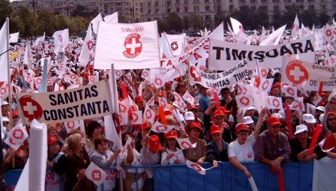 10.000 de angajați din spitale au participat la mitingul din Capitală