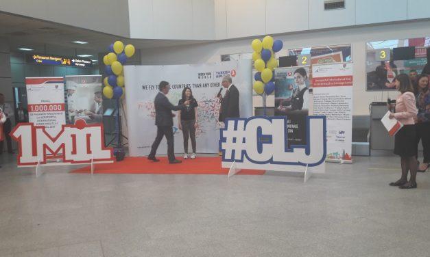 VIDEO Pasagerul cu numărul 1 milion în 2018 a ajuns în Aeroportul Cluj. Cum a fost întâmpinat pasagerul norocos