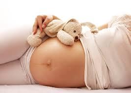 Preeclampsia, coșmarul oricărei gravide. Cum poate fi depistată această boală cu ajutorul unui test simplu