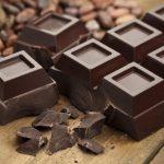 Ciocolata neagră, un aliment indicat pentru persoanele care au probleme cu valorile colesterolului