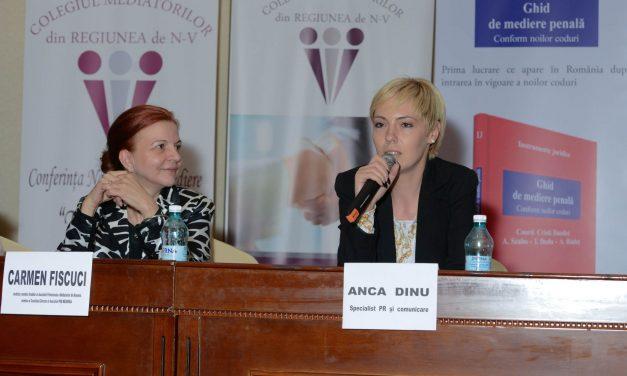 """#femeidebine Anca Dinu, super-mama pentru care nu există """"nu se poate"""". Cum să fii jurnalist, antreprenor, părinte și… OM"""
