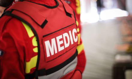 O fetiță de 4 ani a căzut de la etajul 3. Din fericire, a scăpat cu viață și s-a ales doar cu o sperietură zdravănă