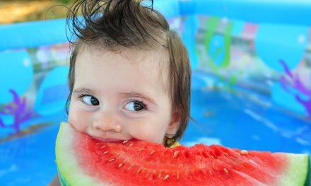 TOP 5 alimente de consumat pe timp de caniculă. Ce și cât consumăm când termometrele indică temperaturi ridicate