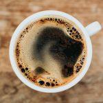 Cafeaua și sănătatea. Câtă cafea e recomandată zilnic, astfel încât să nu devină un factor de risc