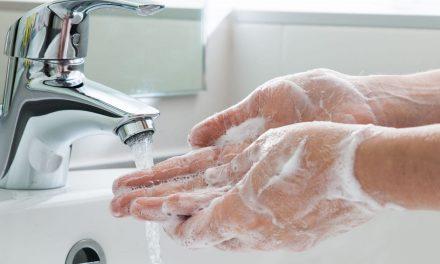 Cum ne spălăm corect pe mâini. Gestul banal care ar putea stopa înmulțirea infecțiilor nosocomiale