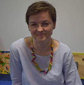 #FEMEI DE BINE Carmen Cojan, mama creativă si norocoasă, care a pus bazele unui business pentru bebeluși și părinți. Ghidușel, locul unde informațiile și joaca fac casă bună