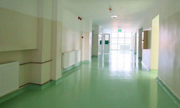 Cum a închis un pacient mincinos o secție de spital și a împrăștiat teamă într-un oraș întreg