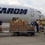 Cluj: A ajuns un transport cu echipamente de protecţie din China VEZI FOTO