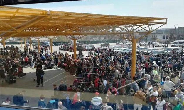 """Procurorii anchetează aglomerația de la Aeroportul Cluj. Dosar penal """"in rem"""" pentru zădărnicirea combaterii bolilor"""