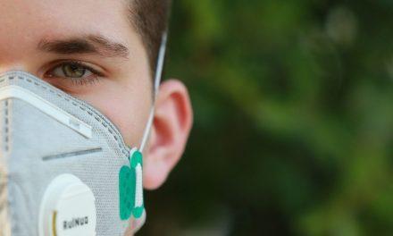 Masca de protecţie devine obligatorie în unele spaţii deschise din Cluj. Vezi aici noile reguli