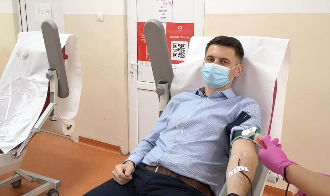 Prefectul județului Cluj, fost pacient infectat cu noul Coronavirus, a donat plasma. Cum ii ajuta plasma pe cei diagnosticati cu COVID-19