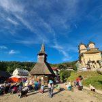 Cum se organizează tradiționalul pelerinaj de la Nicula, din 15 august, în vremuri de COVID. Credincioșii se pot închina la icoana făcătoare de minuni, dar fără să o atingă
