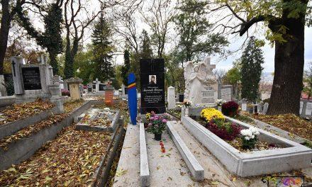 Luminația în pandemie. Voluntari care curăță morminte și aprind lumânări și un concert  clasic fără public