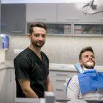 Lecția de sinceritate. Un medic stomatolog din Cluj vorbește deschis despre profesie, câștigurile dentiștilor și despre ce înseamnă să faci medicină dentară în plină pandemie