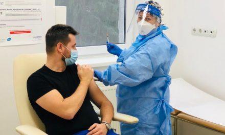 Medicii clujeni după vaccinare: Ne simţim foarte bine. Nu avem nicio reacţie adversă GALERIE FOTO