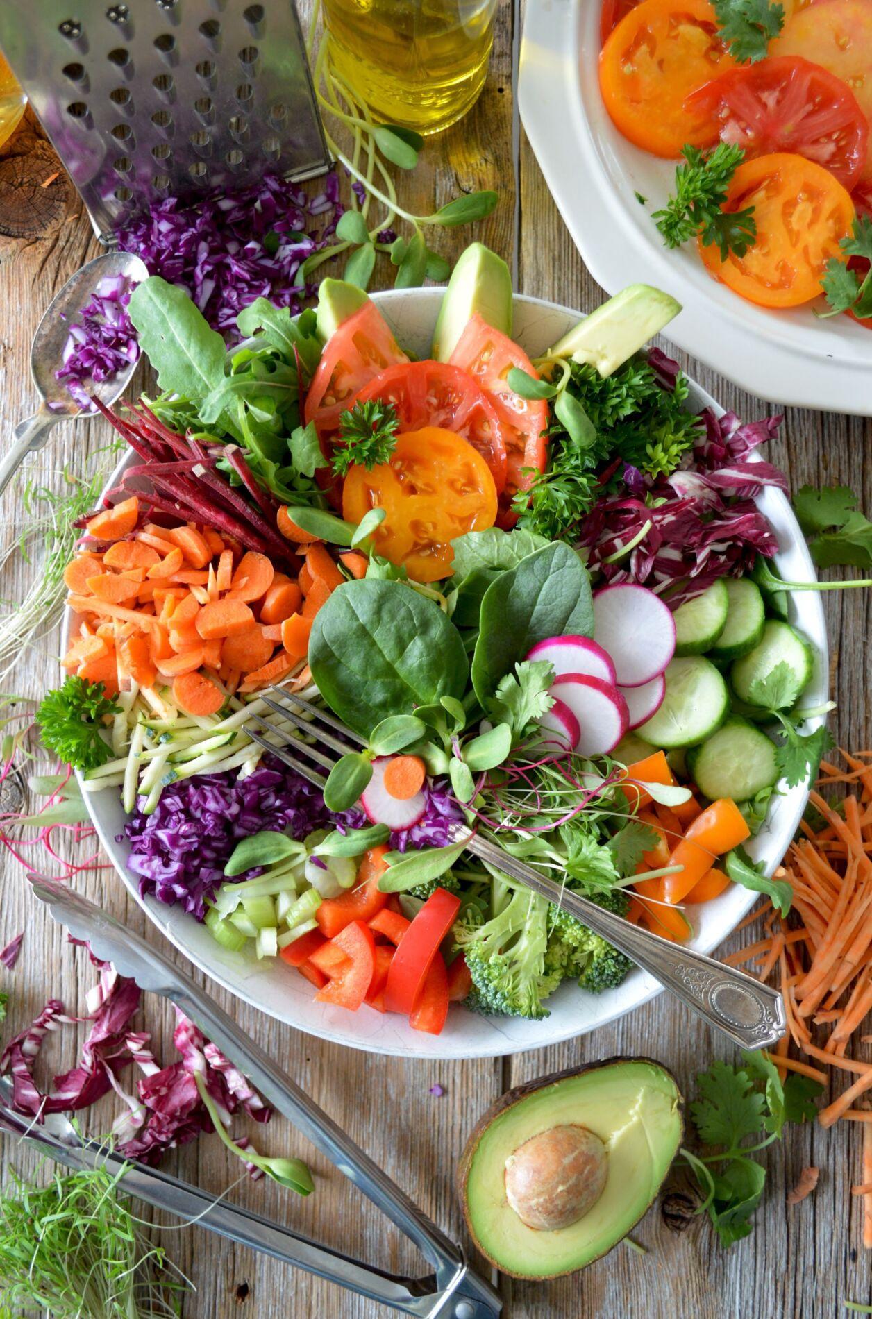"""Cum pierzi in greutate în funcție de vârstă. Ce spune nutriționistul care nu adoptă principiul """"3 mese și 2 gustări pe zi"""""""