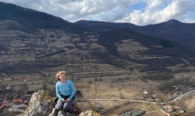 De la idee la concret. Aura Cadiș, doamna de nota 10 care a adus conceptul Montessori în Cluj