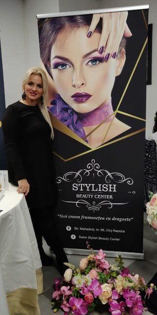 UPDATE Cum a renunțat o stilistă din Cluj la veniturile din preajma zilei de 8 Martie ca să le facă frumoase pe femeile care nu au fost niciodată la un salon