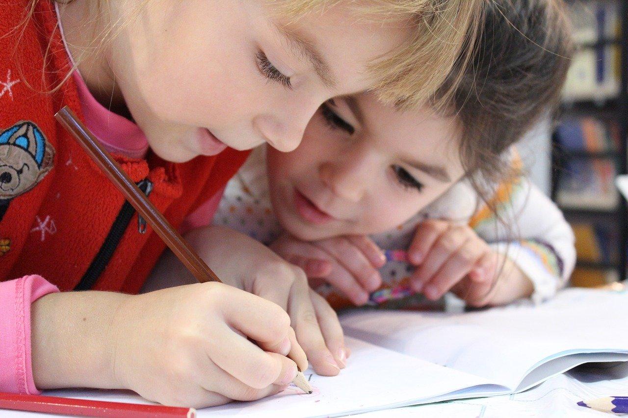 Câte clase pregătitoare vor fi în şcolile din Cluj şi cum trebuie părinţii să aleagă şcoala
