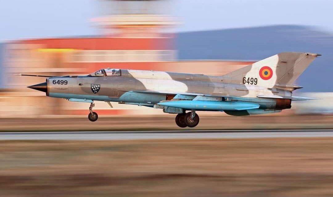 MIG 21  Lancer prăbuşit în Mureş. Pilotul este în stare stabilă