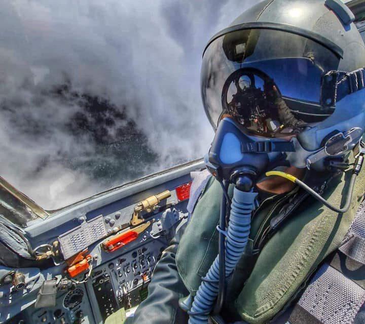 Pilotul clujean aflat în avionul MIG-21 Lancer prăbuşit în Mureş a fost operat. Starea lui este bună