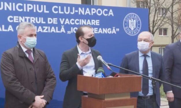 """VIDEO Premierul Florin Cîțu, în vizită la un centru de vaccinare din Cluj: """"Vom avea centre de vaccinare drive-thru"""""""