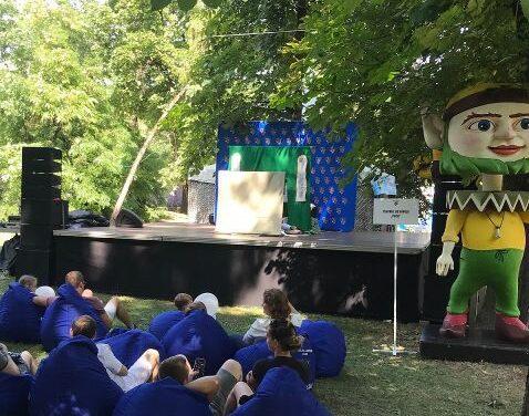 Activități pentru copii, la Untold: teatru de păpuși, ateliere de creație și cărți de la Biblioteca Județeană Cluj