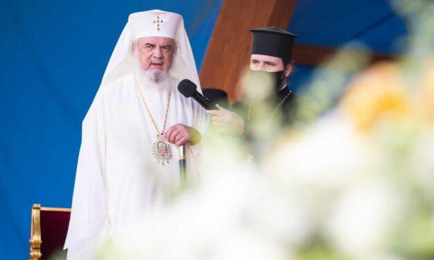 """Biserica Ortodoxă îndeamnă la """"rugăciune pentru sănătate"""" și sfătuiește lumea să asculte recomandările medicilor"""