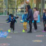 """""""Fugi în curtea școlii"""", evenimentul care îi scoate pe copii din fața ecranelor"""
